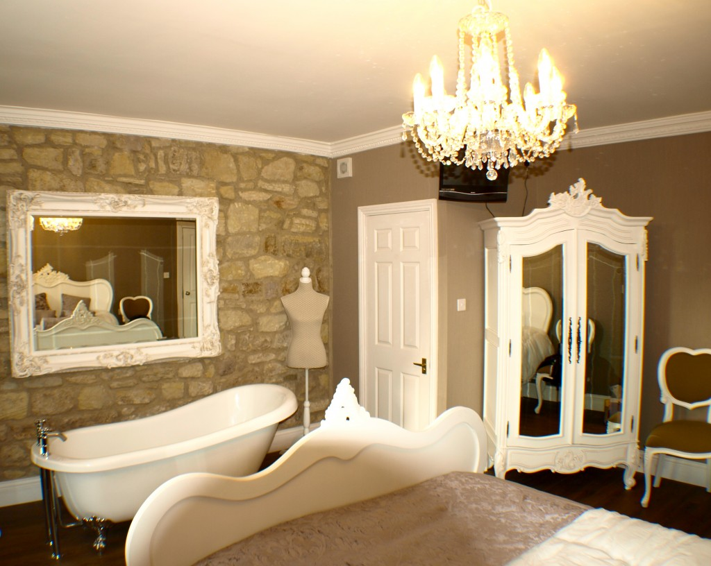 Bridal Suite | The Sun Hotel
